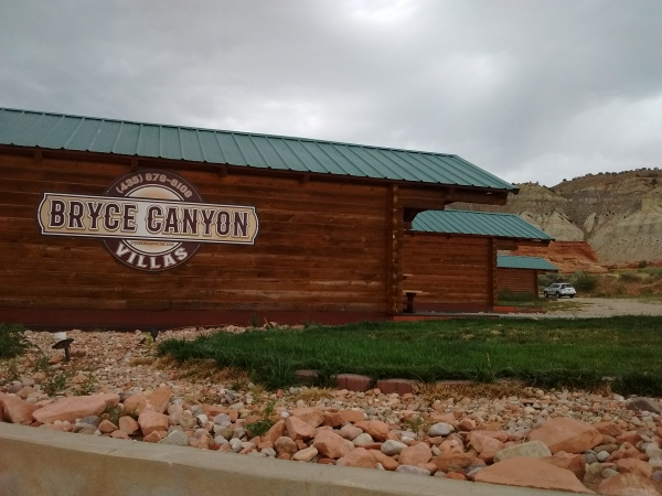 Enjoy Beautiful And Completely Updated Cabins With Granite Counter Tops Full Tile Bathrooms