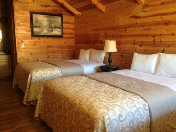 2 Queen Bed Cabin